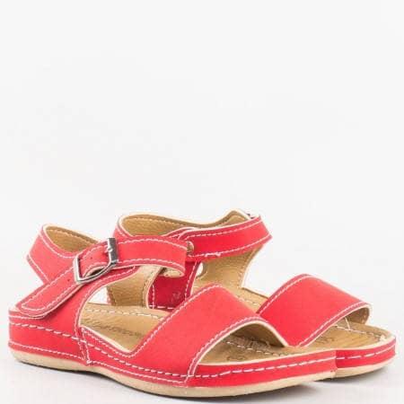 Детски комфортни сандали на ортопедично ходило на Mat star в червен цвят 15153010chv