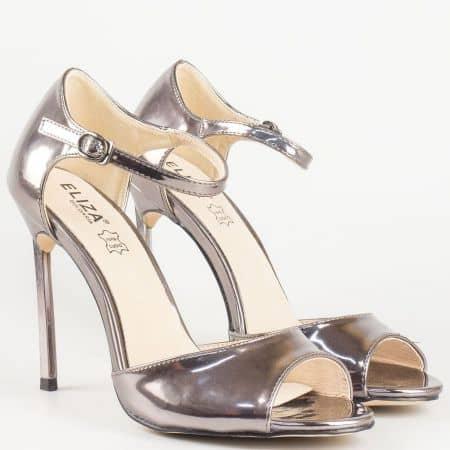 Елегантен сребърен дамски сандал на тънък, висок ток 1522801sr