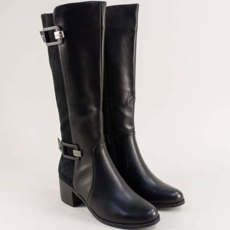 Ефектни дамски ботуши на среден ток в черен цвят 1526427ch