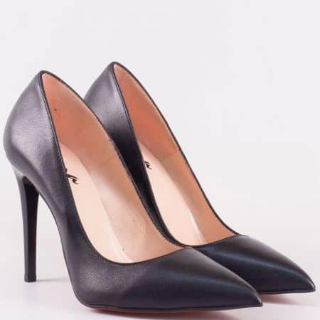 Български дамски обувки на висок тънък ток от черна естествена кожа  15334ch