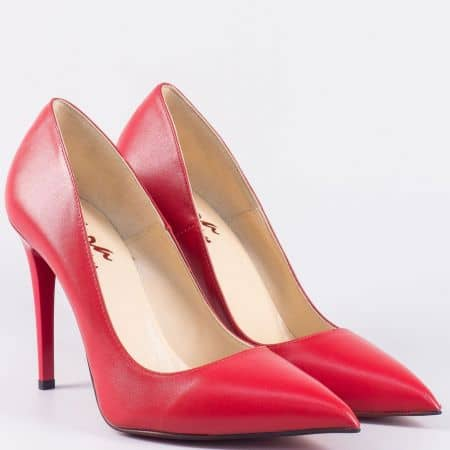 Български дамски обувки на елегантен висок ток от естествена кожа в червено 15334chv