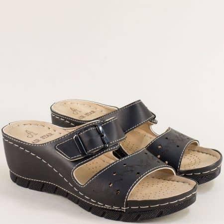 Дамски анатомични чехли на платформа в черен цвят - MAT STAR 154004ch