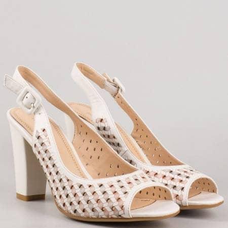 Дамски атрактивни сандали на висок стабилен ток с перфорация в бял цвят 1546223b