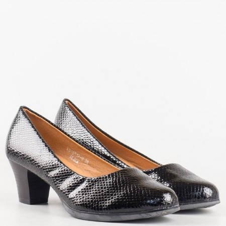 Дамски черни обувки на среден ток- GRAND ATTACK със змийски принт 157173zch