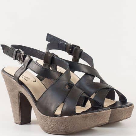 Дамски сандали със свежа лятна визия на висок ток изработени от 100% естествена кожа на български производител в черно 1578702ch