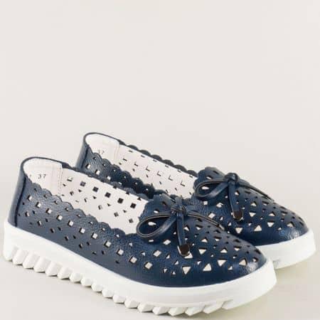 Сини дамски обувки с перфорация на равно, бяло ходило 159017s