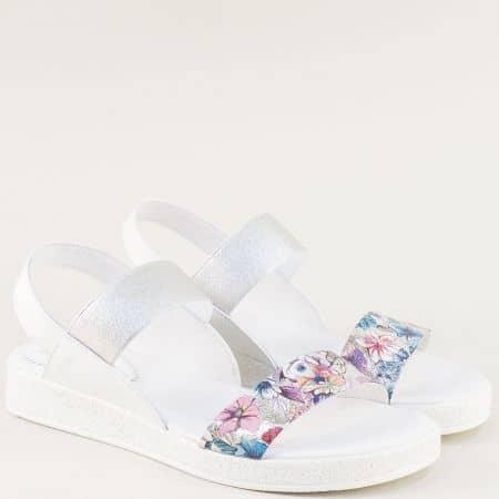 Бели дамски сандали от естествена кожа с ластици 1591295bps