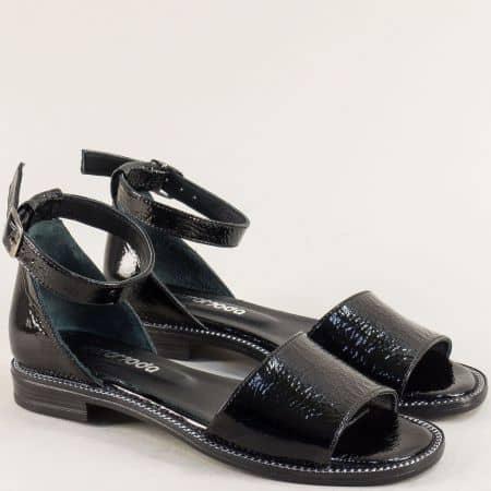Равни дамски сандали със затворена пета от естествен черен лак 160114lch