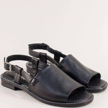 Черни дамски сандали от естествена кожа на равно ходило 160127ch
