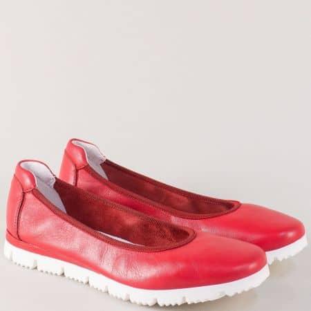 Италиански дамски обувки в червен цвят на равно ходило 161chv