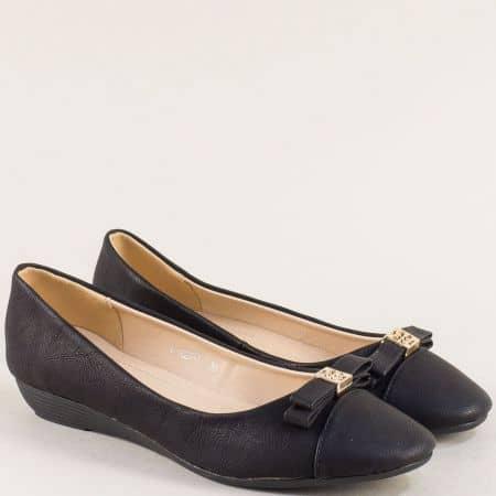 Дамски обувки с панделка но клин ходило в черен цвят 1623ch