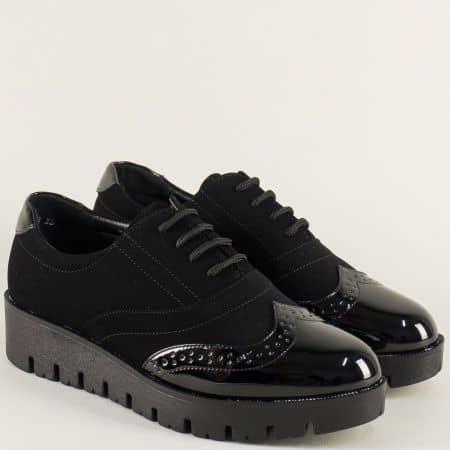 Дамски обувки на платформа в черен цвят с връзки 16318vch