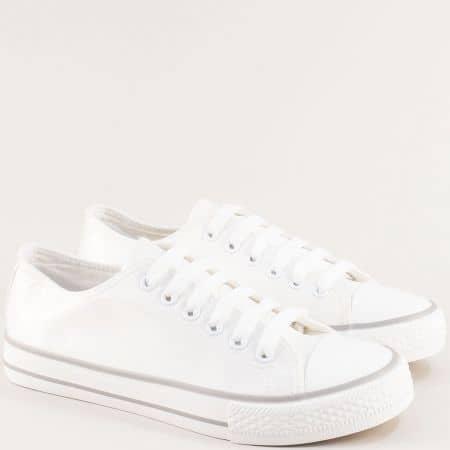 Бели дамски кецове с нежен блясък- MAT STAR 163318b