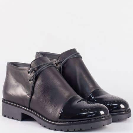 Български дамски обувки с връзки на нисък ток от черна естествена кожа 16408ch