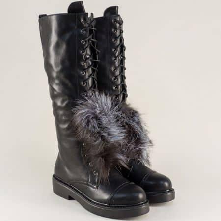 Черни дамски ботуши на стабилно ходило с нисък ток и ефектно пухче 167184ch