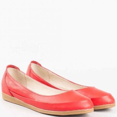 Червени дамски обувки, тип балерини от естествена кожа на български производител в червен цвят 1693406chv