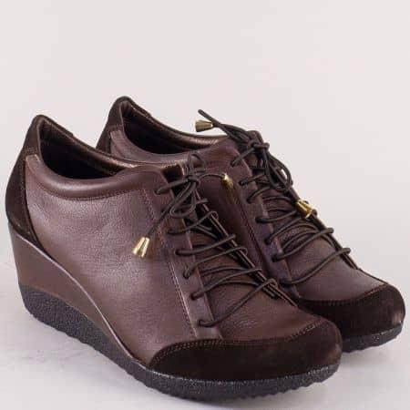 Тъмно кафяви дамски обувки от естествена кажа и велур 1700k