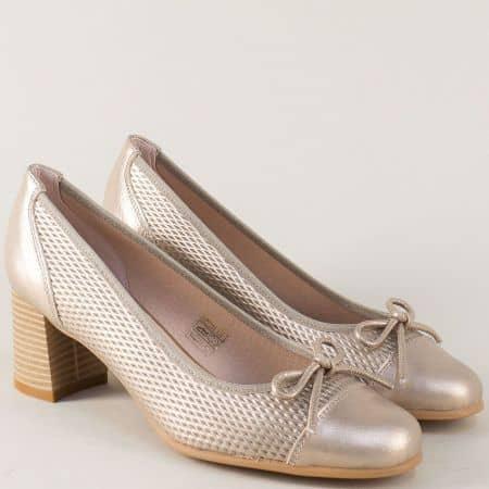 Бронзови дамски обувки на среден ток от естествена кожа 17024brz