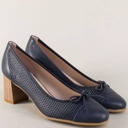 Испански дамски обувки в тъмно син цвят с кожена стелка 17024s