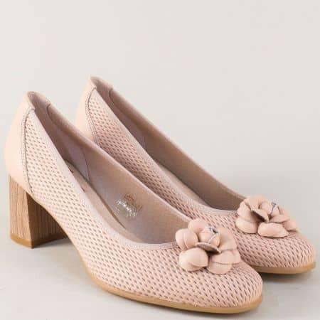 Розови дамски обувки от естествена кожа на среден ток 17025rz