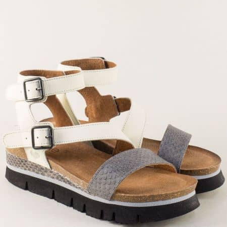 Кожени дамски сандали в сиво и бяло с две катарами 1710bsv
