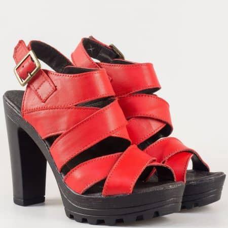Дамски стилни сандали произведени от изцяло естествена кожа на висок стабилен ток на български производител в червено 17115493chv