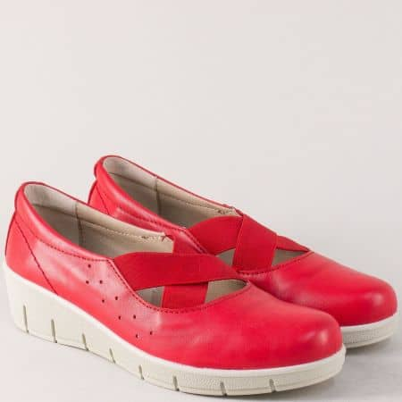 Червени дамски обувки от естествена кожа на стабилна платформа 17115chv