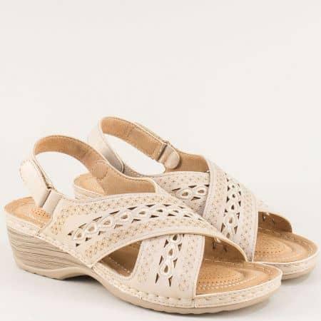 Бежови дамски сандали на лека платформа 1726512bj