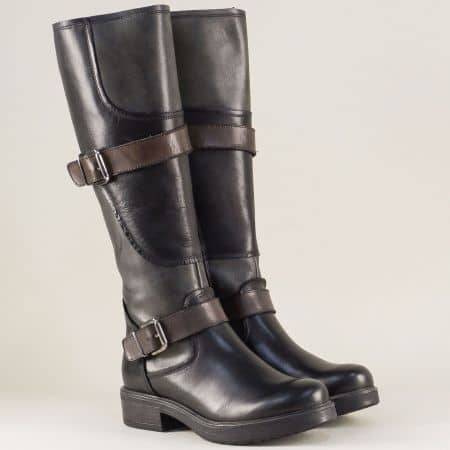 Кожени дамски ботуши в черен цвят на нисък ток 1740300ch