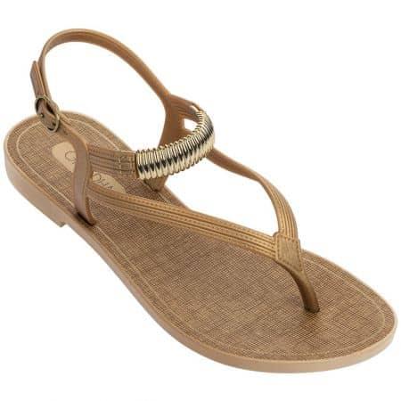 Златни дамски сандали с лента между пръста- GRENDHA 1762590083
