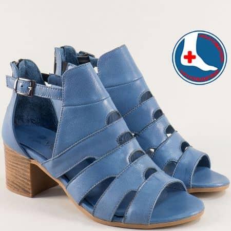 Кожени дамски сандали със затворена пета в син цвят 1857211s