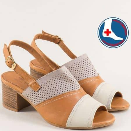Кожени дамски сандали на среден ток в кафяво и бежово 1857212tkps