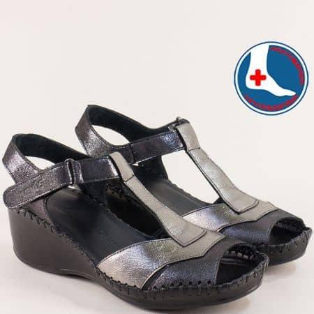 Дамски сандали на клин ходило в черно и сребристо 18791388ch