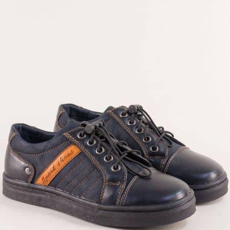 Детски обувки в черен цвят с ластични връзки- MAT STAR 188141s