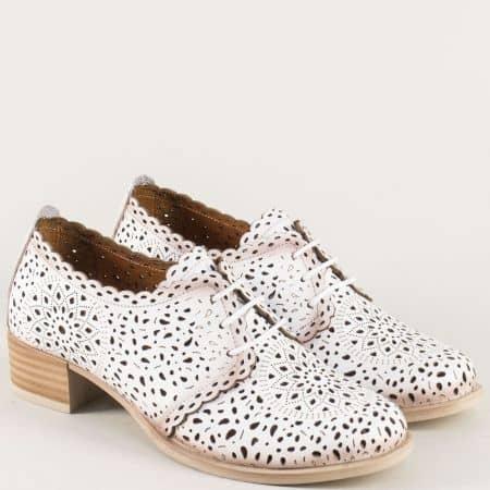 Бели дамски обувки от естествена кожа с перфорация 190b