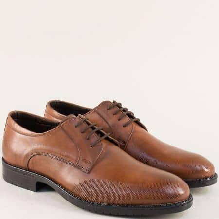 Кафяви мъжки обувки с връзки от естествена кожа 19102k
