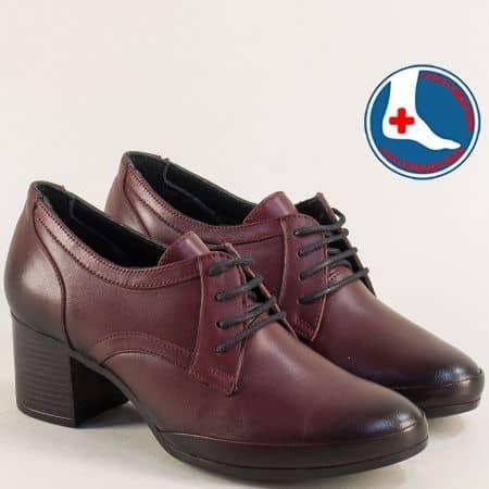 Кожени дамски обувки в цвят бордо на среден ток 1911905bd