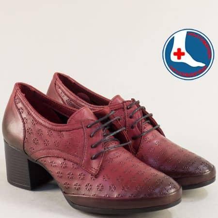 Кожени дамски обувки в цвят бордо на среден ток  1911905bd1