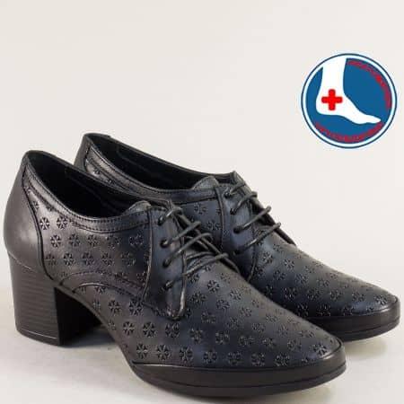 Дамски обувки в черен цвят на среден ток с кожена стелка  1911905ch1