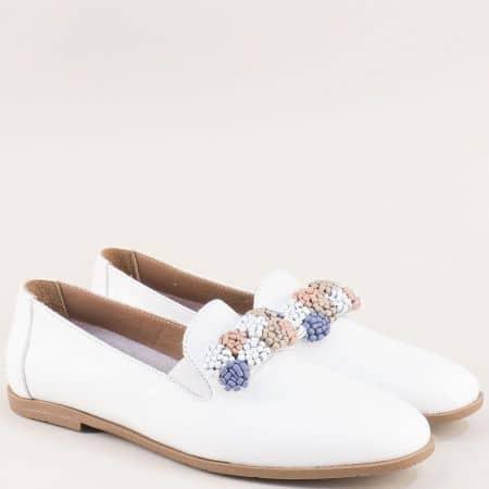 Бели дамски обувки на равно ходило от естествена кожа 19212b