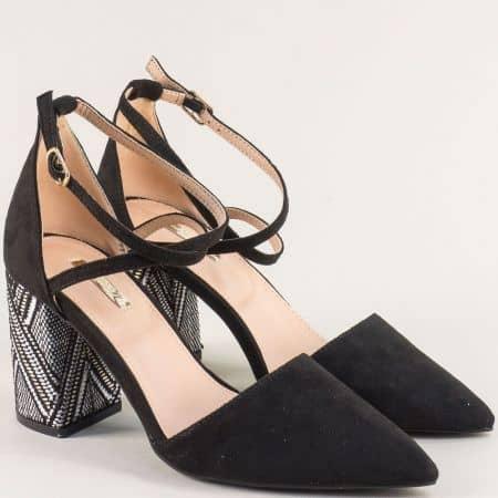 Черни дамски обувки на висок ток с черно бял принт 19225vch