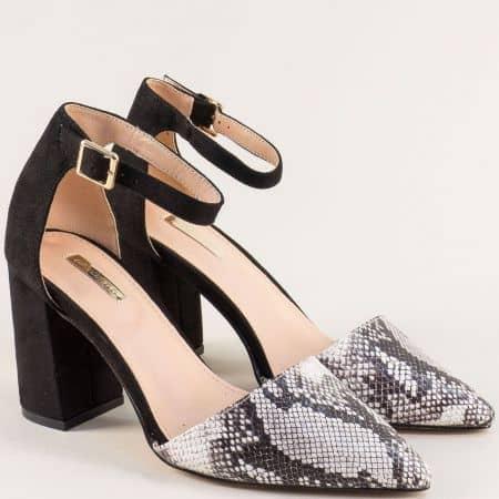 Дамски обувки със змийски принт в черно и бежово 19294bj