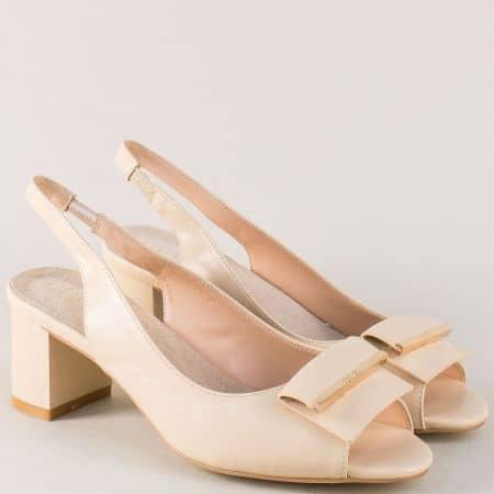 Бежови дамски обувки на среден комфортен ток 200545bj