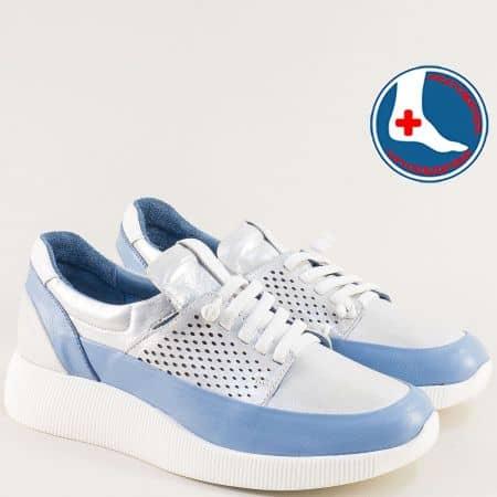 Кожени дамски маратонки в синьо и бяло на платформа 2013155bs