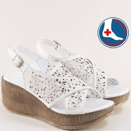 Бели дамски сандали на платформа от естествена кожа 2014402b