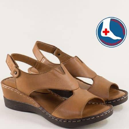 Кафяви дамски сандали от естествена кожа на клин ходило 20981103k
