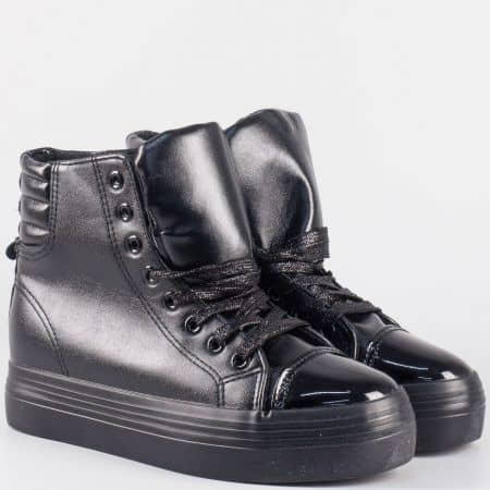 Дамски обувки в черен цвят на платформа с връзки 21-40ch