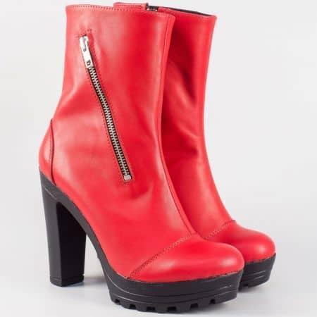 Дамски боти в червен цвят на висок ток и платформа 21815493chv