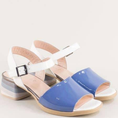 Дамски сандали от естествен лак и кожа в синьо и бяло 2187ls