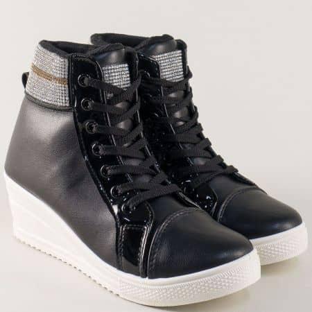 Дамски спортни обувки в черно на клин ходило 2207ch